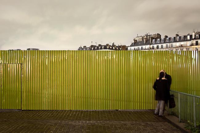 Title: Les amoureux de Paris, 30x45 cm, Inkjet print, 2012