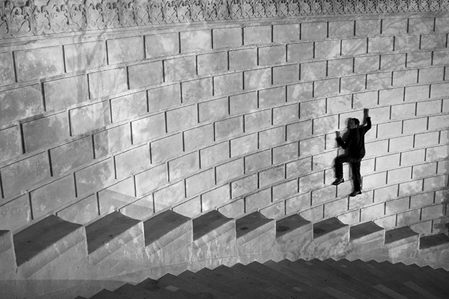 Title: L'escalier, Longchamps Palace Marseille, 50 x 75 cm, Inkjet print, 2013
