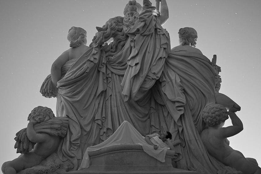 Title: La statue, Longchamps Palace Marseille, 50 x 75 cm, Inkjet print, 2013