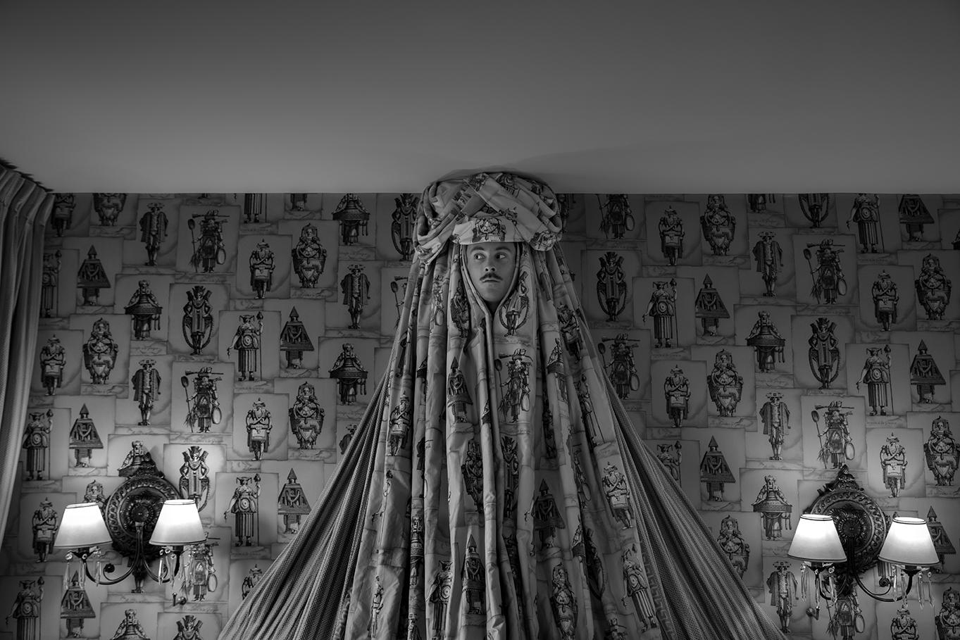Title: Le ciel de lit, Hôtel des Grands Hommes - Panthéon, 50 x 75 cm, Inkjet print, 2014
