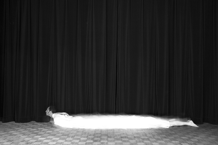Title: Le serpent, Animal locomotion series, 20x30 cm, Backlight print on lightbox, 2015